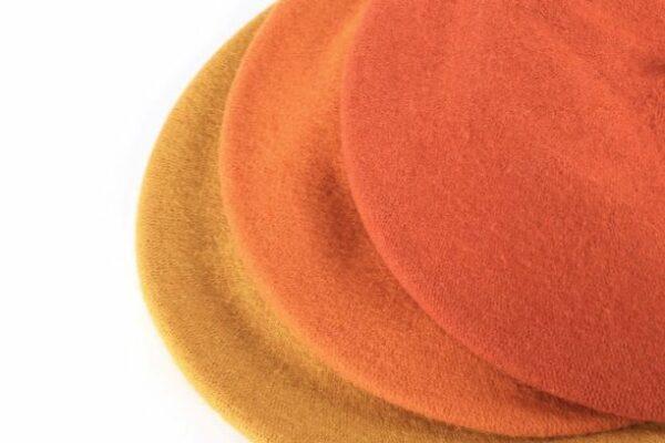 dámske baretky oranžové